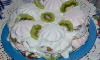 торт из пряников без выпечки с киви и зефиром