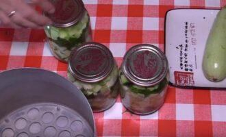хрустящие маринованные кабачки с чесноком и петрушкой в литровых банках на зиму