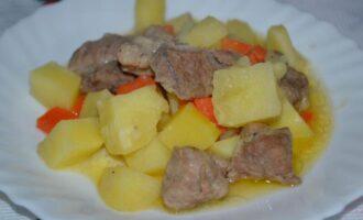 Жаркое по домашнему из свинины с картошкой