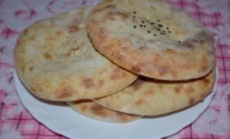 Лепешки на кефире без дрожжей в духовке вместо хлеба вкусные и пышные