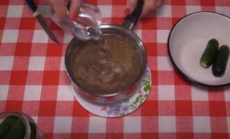 Маринованные огурцы с сухой горчицей