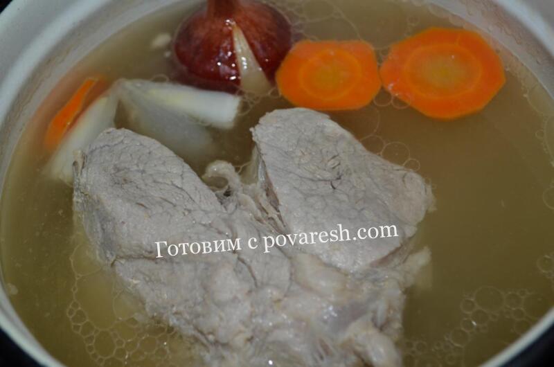 Мясной бульон из свинины