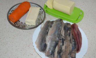 Ложная икра из сельди, моркови и плавленого сыра