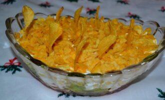 Салат с корейской морковью, курицей и кукурузой