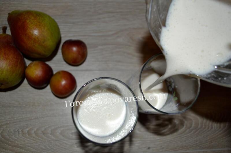 молочный коктейль с мороженым и вареньем