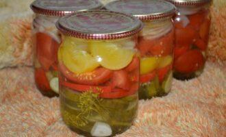 овощной салат на зиму слоями огурцы помидоры лук