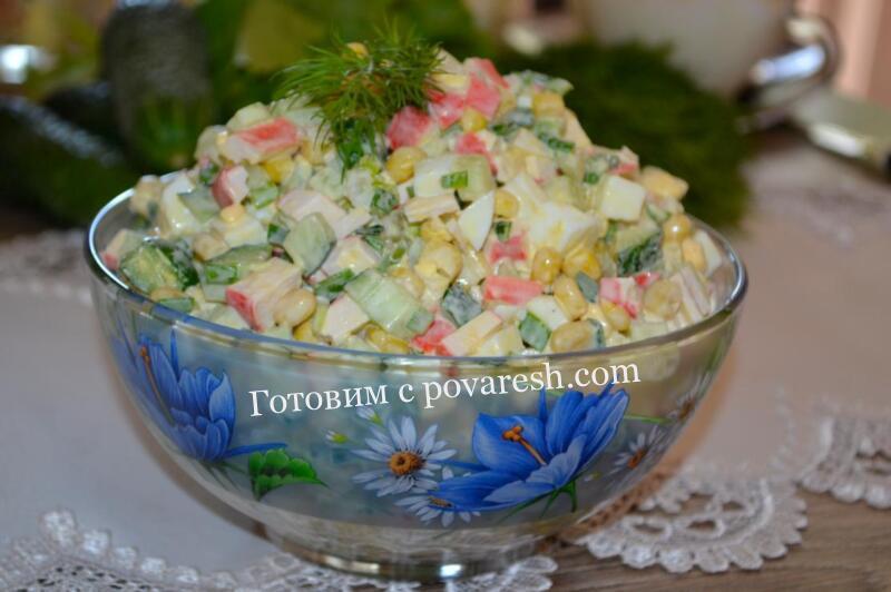 салат из крабовых палочек с кукурузой и огурцом рецепт