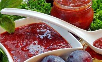 Аджика со сливами и помидорами на зиму