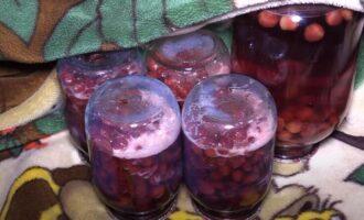 Вишня в собственном соку на зиму без косточек в литровых банках