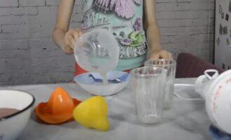 Мороженое фруктовый лёд из клубники