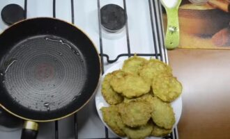 Оладьи из кабачков на сковороде