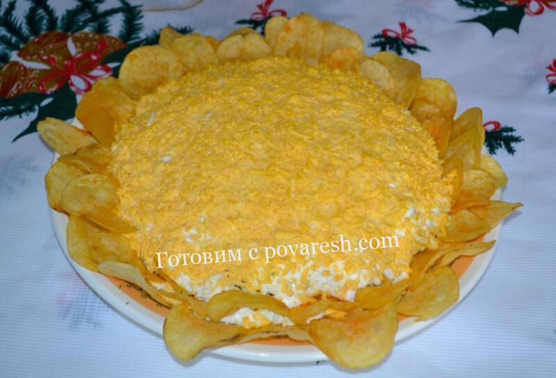 салат с крабовыми палочками и чипсами рецепт слоями