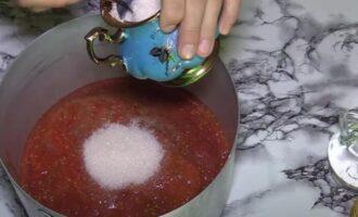 Баклажаны в томатном соусе