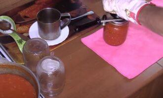 Вареная аджика из помидоров