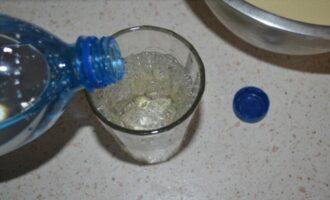 Тонкие блины на молоке и минералке с дырочками