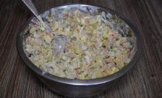 как приготовить зимний салат оливье с колбасой и свежим огурцом