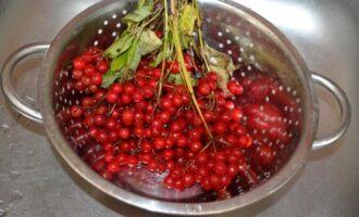 ягоды калины моем варенье