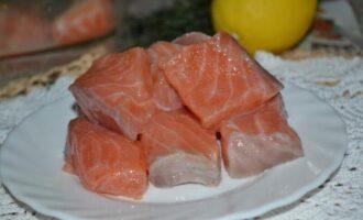Как солить красную рыбу с лимоном
