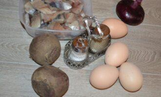 Селедка под шубой в яйцах