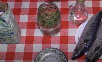 Скумбрия соленая в рассоле кусочками