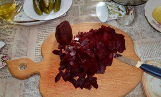 винегрет с квашеной капустой и солеными огурцами