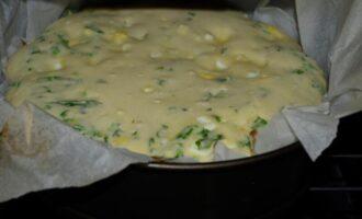 заливной пирог на кефире с зеленым луком и яйцом