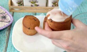 Глазурь из сахарной пудры и молока для кулича
