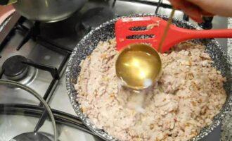Как правильно приготовить начинку из мяса для блинчиков