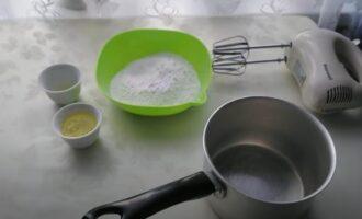Как сделать глазурь из белков и сахара для кулича