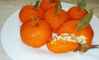 Салат Мандаринки с курицей и сыром