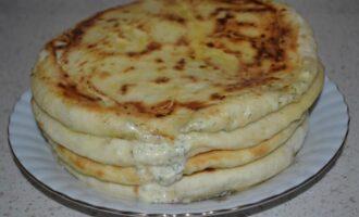 Хачапури с творогом и сыром на кефире на сковороде
