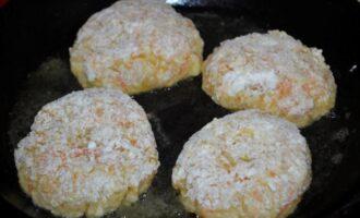Ленивые голубцы с рисом капустой и фаршем в кастрюле