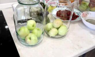 компот из яблок и красной смородины на зиму
