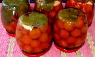 Сладкие маринованные помидоры черри