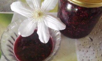 Жареное варенье из малины на сковороде
