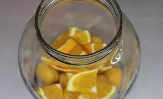 компот из абрикосов с апельсином на зиму