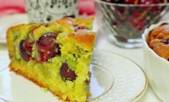 Пирог с вишней на кефире и подсолнечном масле