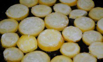 кабачки цукини с чесноком и майонезом