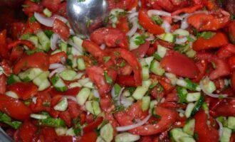 Салат из огурцов и помидор в собственном соку на зиму