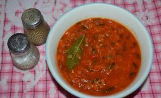 подлива с томатной пастой