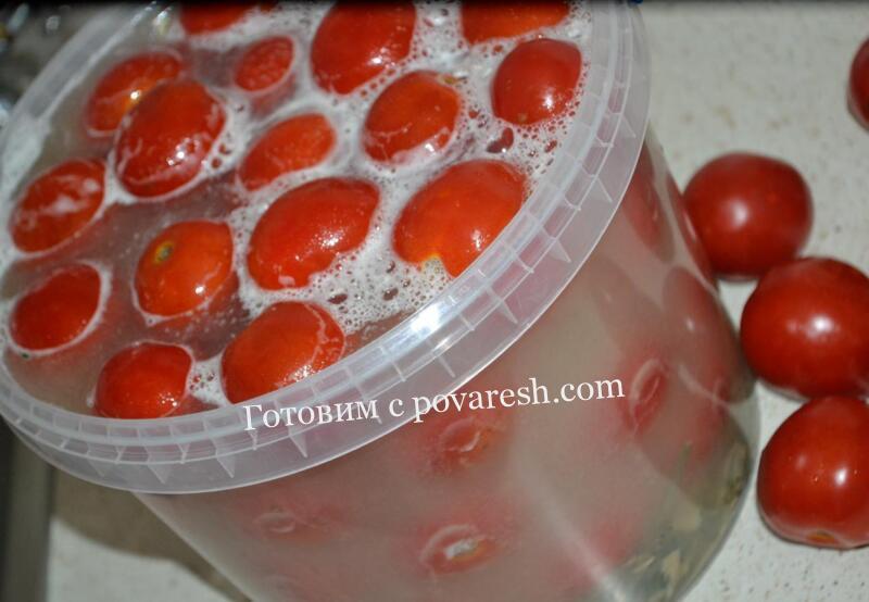 помидоры в пластиковом ведре как бочковые