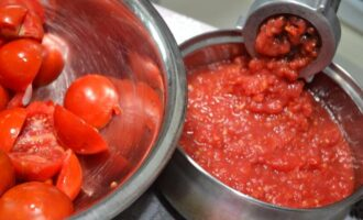 аджика из помидор с чесноком и перцем вареная