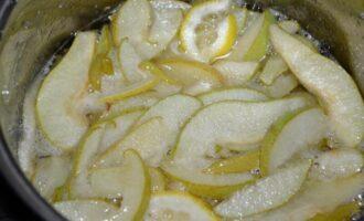 Царское варенье из груш с лимоном изумрудное